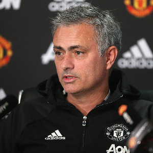"""Jose Mourinho """"angry"""" with Manchester United hierarchy?"""