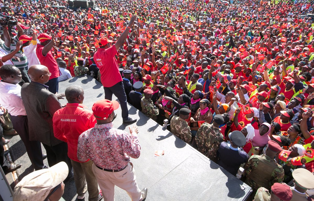 Kenyatta wraps up  Makueni county campigns ,Says  Jubilee is the clear  path to prosperity