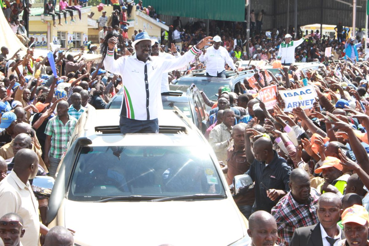 You are launching projects to hoodwink voters,Odinga tells Jubilee