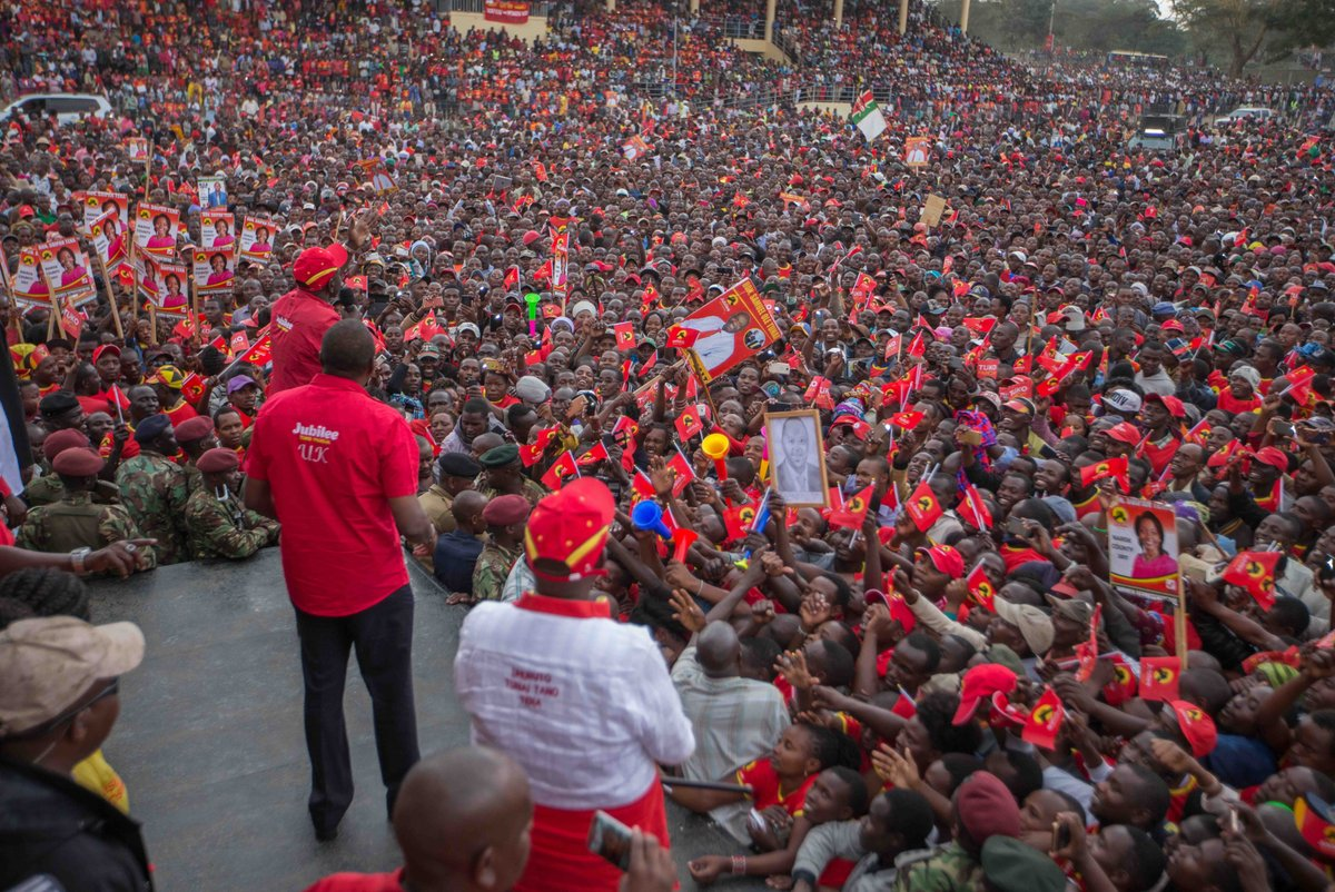 President Kenyatta,DP Ruto takes Jubilee campaigns to Narok askes residents to be firm in Julee,