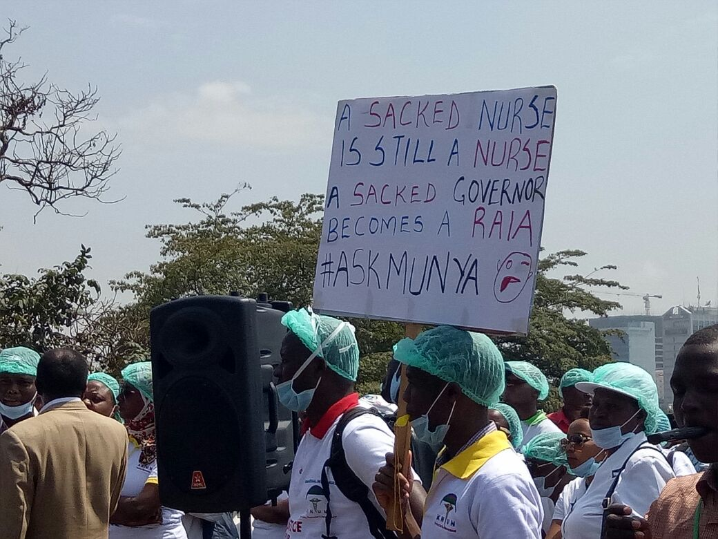 The nurses union launch week of demonstrations to push for  implimentation of their CBA