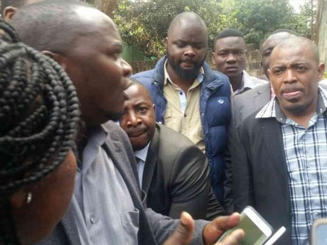 Every man for himself as Journalists face hostile crowed at NASA meeting