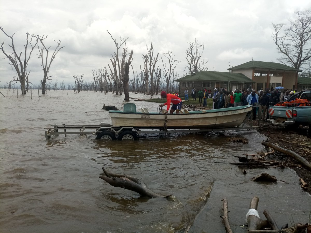 A body of one of the victims of plane that crashed in Lake Nakuru last weekend retrieved