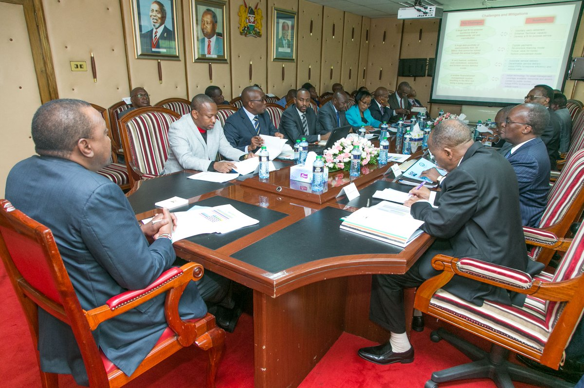 President Kenyatta meets Nairobi county  leadership in a move meant to improve living standards of residents