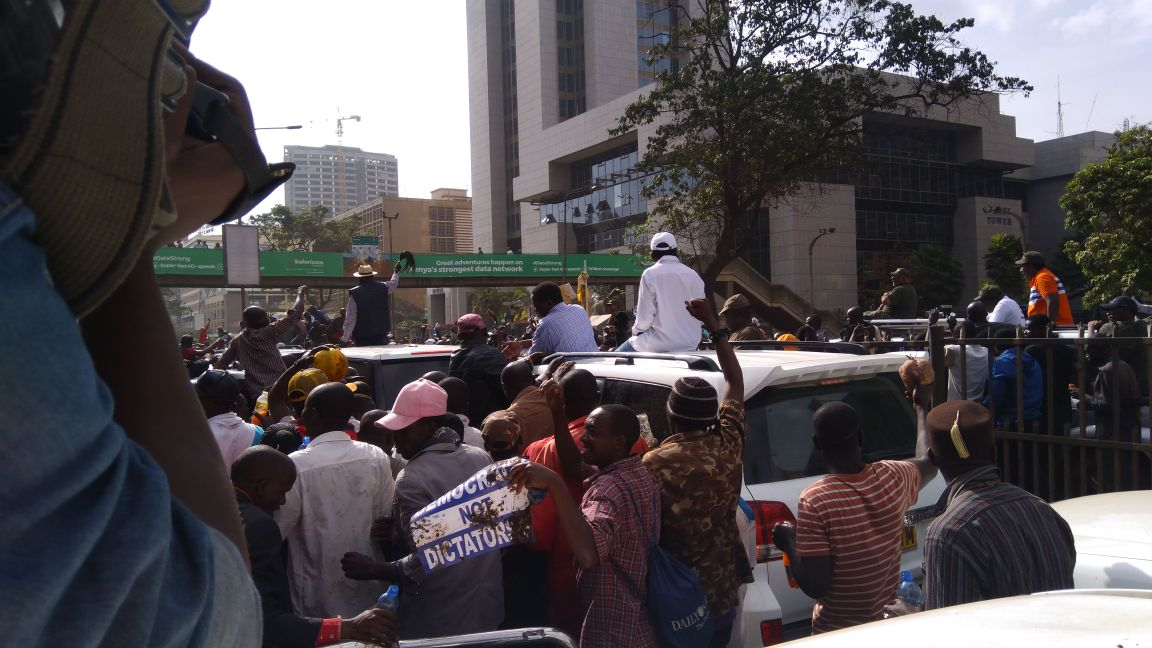 Police engage NASA supporters in running battles