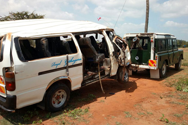 8 people die in two separate  accidents  on Mombasa road