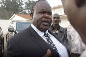 Court puts on hold decision to declare Homaby governor seat vacant