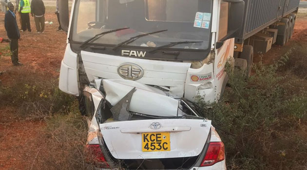 Three die in Manyani accident as   a saloon car hits a truck