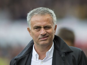 Jose Mourinho signs contract extension at Manchester United