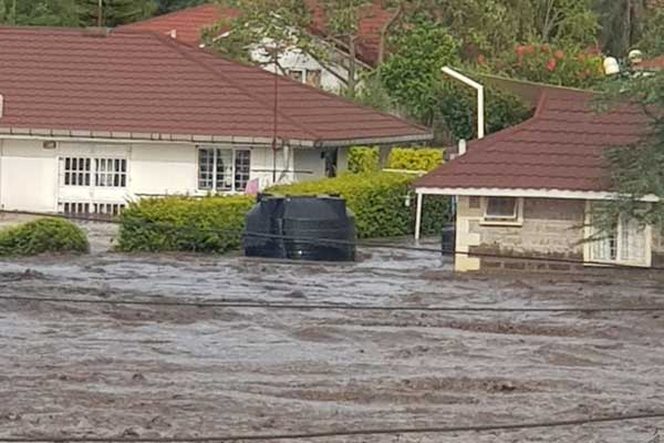 Nairobi-Mombasa highway has been closed at Athi River as bridge submerges in water