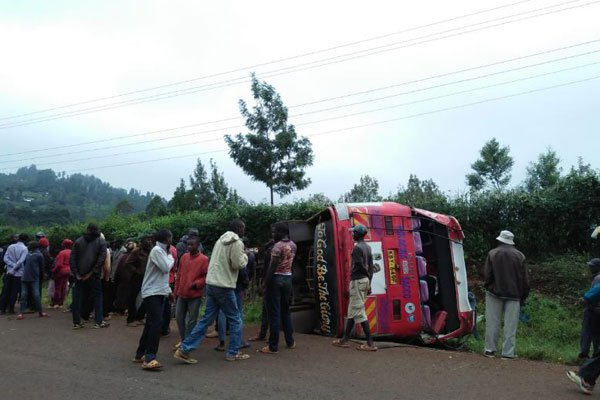 Bus carrying students overturns on Nyeri-Mukurweini Road,over 30 injured