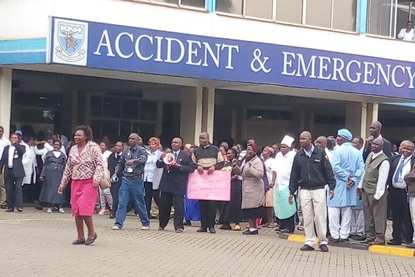 Blow to KNH staff as court stops strike