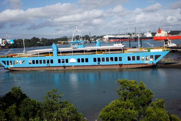 delays  and congestion as  Commuter Ferry MV jambo stalls at likoni Channel