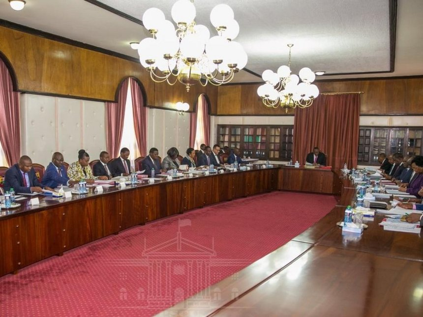 President Uhuru chairs first cabinet meeting in 2019
