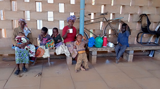 A mother dumps children at Machakos court in protest over 15-year land case