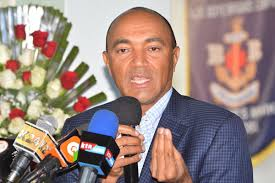 Peter Kenneth moves the crowed during Bob Collymore's memorial service, reveals that at one time   he gave  him  Ksh 1,000 to Buy Car