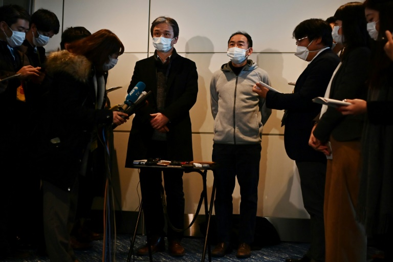 Foreigners airlifted from China virus epicentre, death toll hits 132