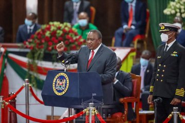 Please take it slow on your 2022 campaigns,Uhuru tells DP Ruto