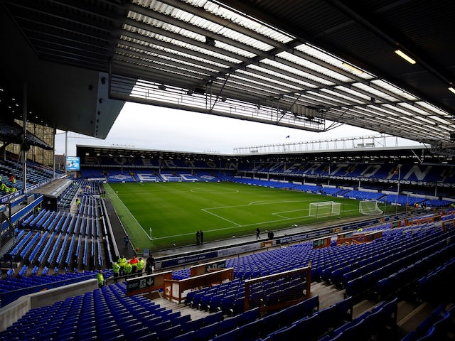 Manchester United, Arsenal 'handed boost in pursuit of Everton teenager'