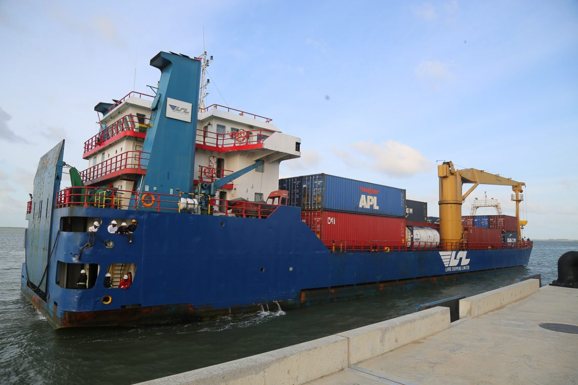Port of Lamu future looks bright as it receives a transshipment consignment of 103TEUS from Zanzibar enroute to Dubai