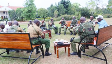DP William Ruto welcomes his new security team, shares a cup of tea with them at his Karen residence.