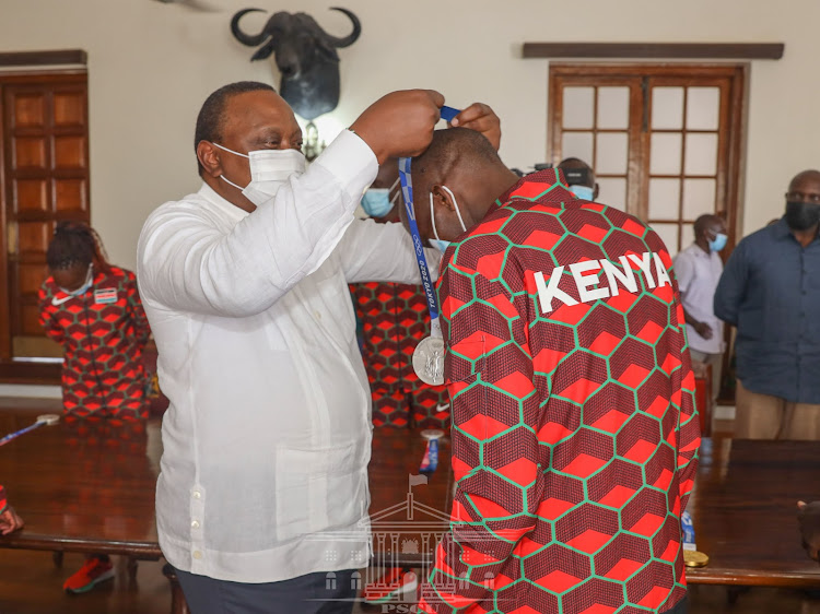 Uhuru offers Sh1m to Olympic gold medalists as he receives Team Kenya