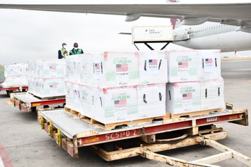 Kenya receives additional 880,320 doses of Moderna vaccine