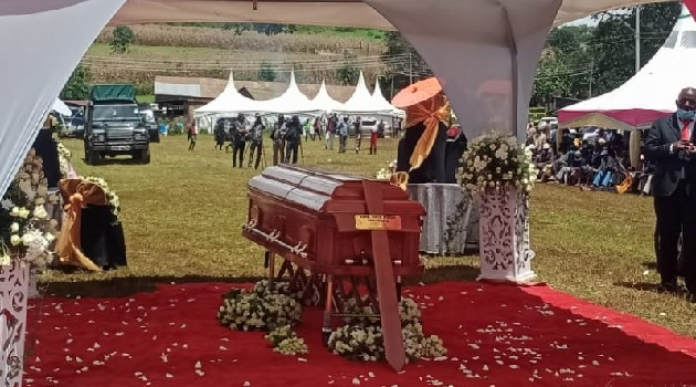 Fashion Icon Orie Rogo Manduli Laid To Rest In A Colourful Event As Mourners Brave Rains