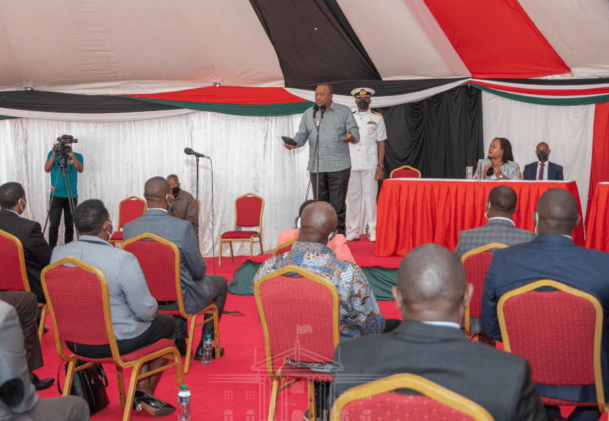 You have to work together for the good of the people.President Kenyatta encourages Kirinyaga leaders
