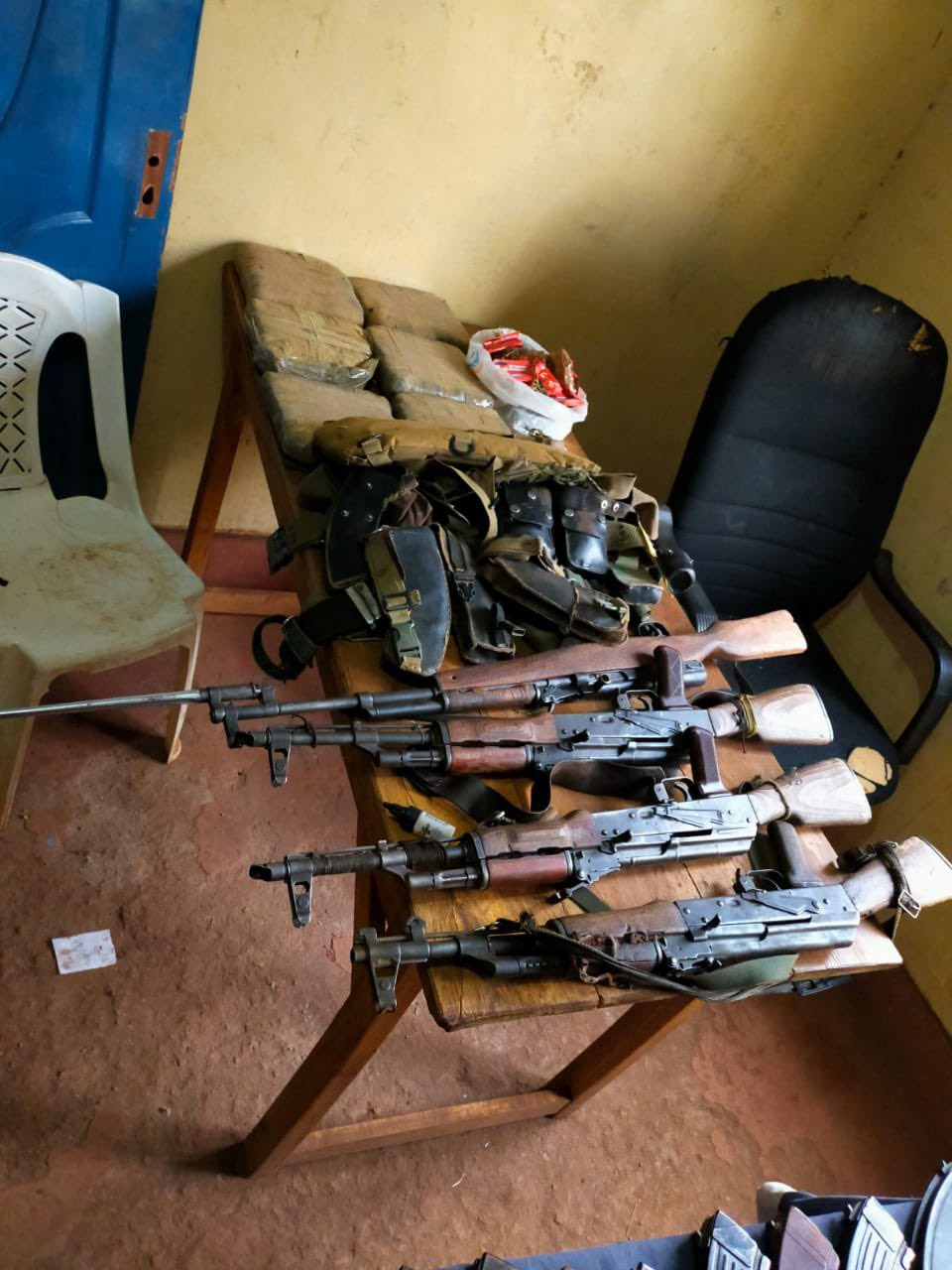 Two suspects arrested as police recover 4 guns during a house raid in Isiolo
